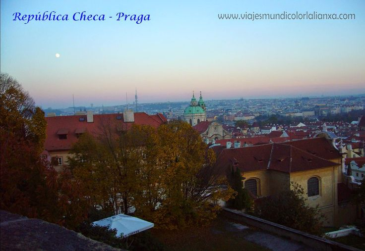 Praga en la República Checa, la Ciudad de las Cien Torres.