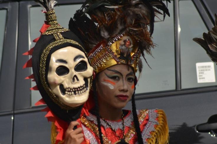 Albertus Tatang mencintai seni tradisional bangsa