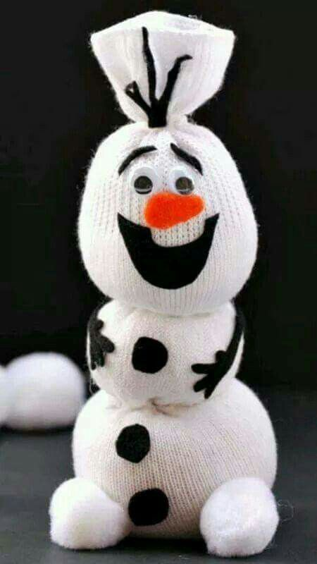 Cute Olaf Sock Snowman Old sock, rubberbands, some felt and eyes!
