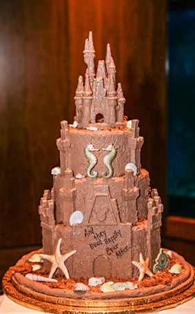 25 Best Castle Wedding Cake Ideas On Pinterest