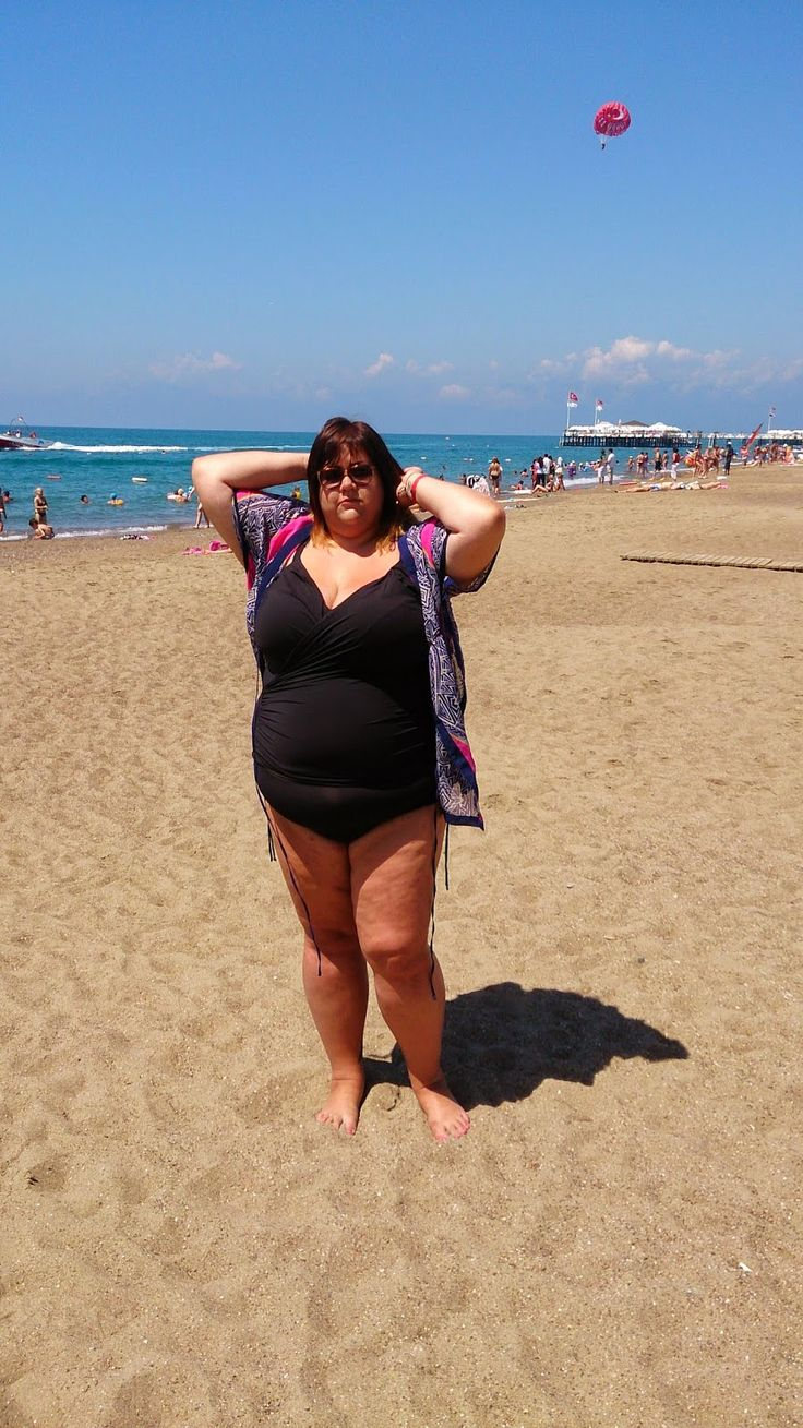 Braving it all and getting out my wobbly bits in a tankini from @simplybe!