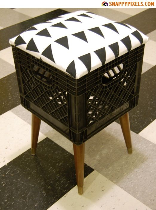 Milk crate projects diy for used milk crates 29 for Diy crate furniture