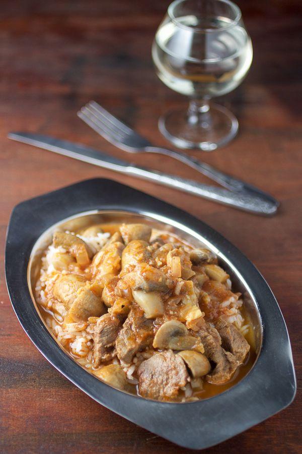 recipe for mushroom goulash | how to make goulash from scratch | mushroom and veal goulash recipe | balkan goulash recipe | gulaš od gljiva i mesa | kako se pravi gulaš | gulaš sa gljivama i mesom |