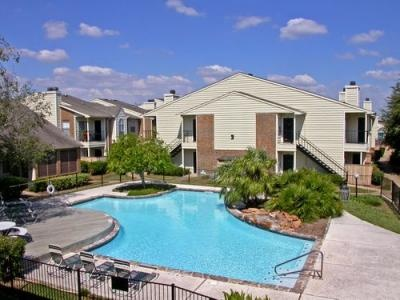 Find the apartments near downtown area at Houston. We have services of apartments rental and many more related to real estate properties.