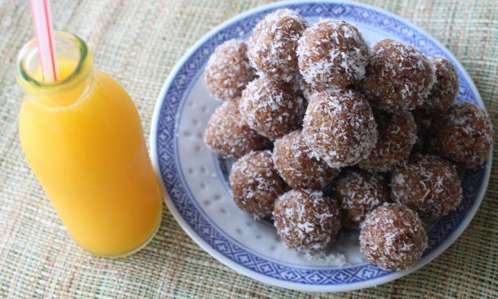 No bake coconut and date balls - Kidspot