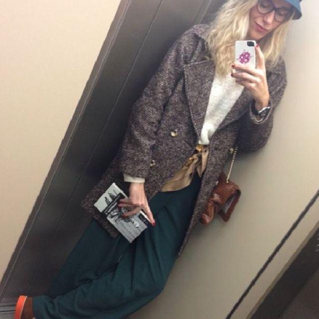 María Leòn con nuestros pantalones de pinzas! Street Style total!