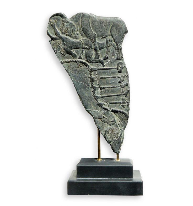 Figura de artesanía de paleta o estela de los toros. Reproducción arqueológica de un relieve de arte egipcio. Idóneo para hacer un regalo exclusivo.