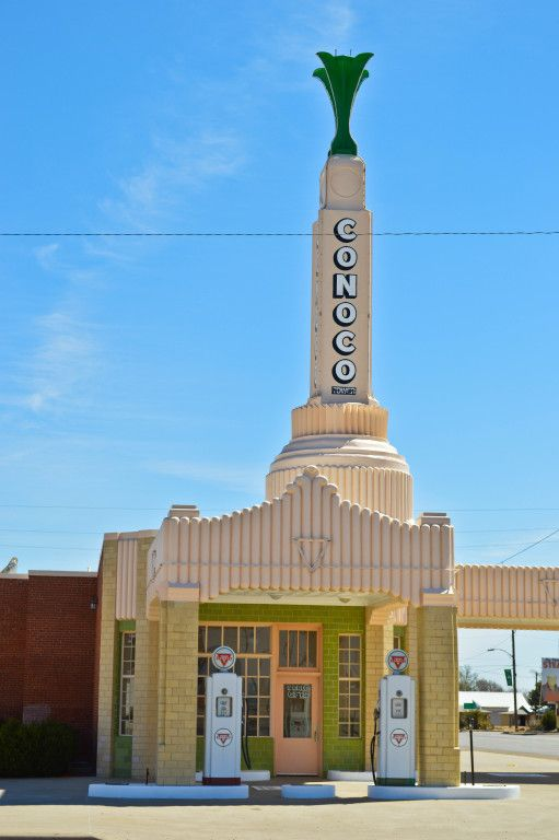 Conoco Gas Station and U Drop Inn Cafe in Shamrock, Texas off Route 66