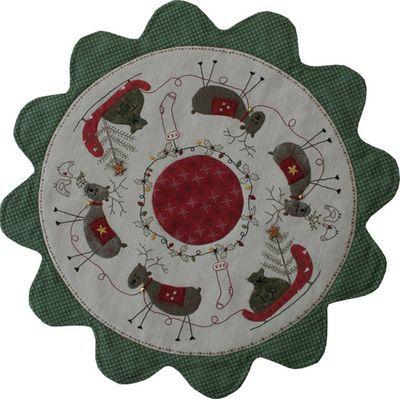 Reindeer friends table mat - from lynetteandersondesigns.typepad.com