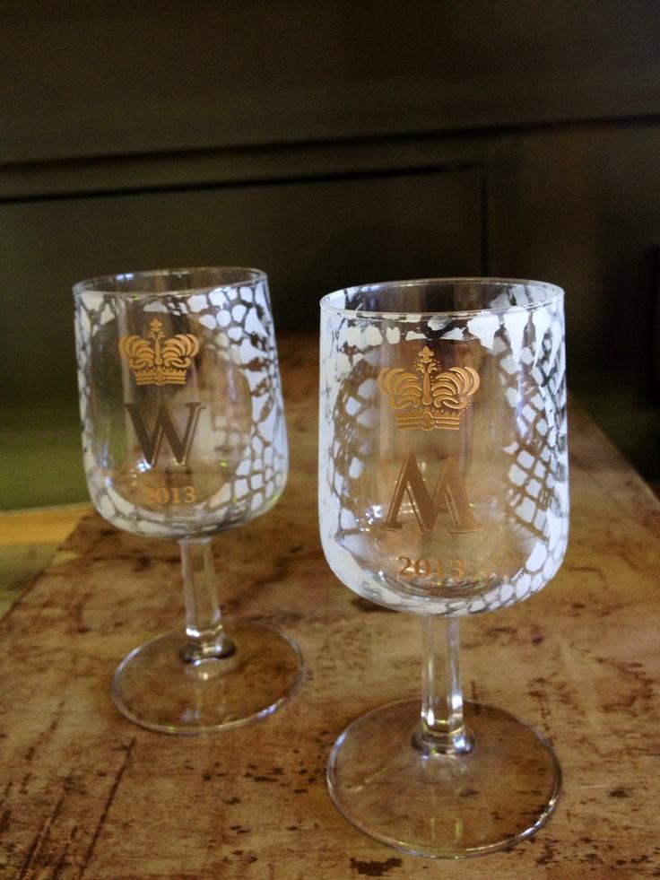 Wijntje of likeurtje. In koninklijke stijl.  Willem Alexander en Maxima.