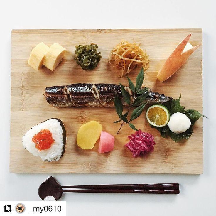 美しい!さんまが主役、秋を感じる、和の朝ごはん。 あなたの朝ごはんや朝の過ごし方をハッシュタグ「#朝時間」をつけて投稿してください♪すてきな写真は朝時間.jpのInstagramやサイト、アプリでご紹介させていただきます #朝ごはん #朝時間 #ワンプレート朝食 #和んプレート #さんま #朝美人アンバサダー #onigiriaction #Repost @_my0610 さんより ・・・ 2016.10.20.(Thur.) . おはようございます☺︎ お弁当がない朝はゆっくり朝ご飯⚐ . 覚書✐ *おにぎり(筋子) *#秋刀魚 の塩焼き *だし巻き卵 *ピーマンのおかか和え *きんぴらごぼう *紫キャベツの梅酢和え *お漬物 *リンゴ . .
