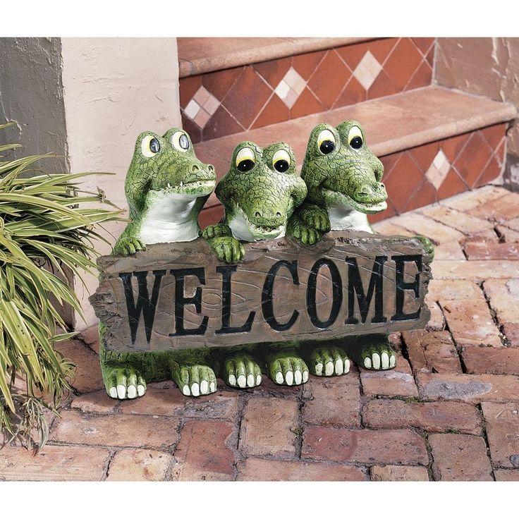 Garden welcome sign alligator statue sculpture florida for Alligator lawn decoration
