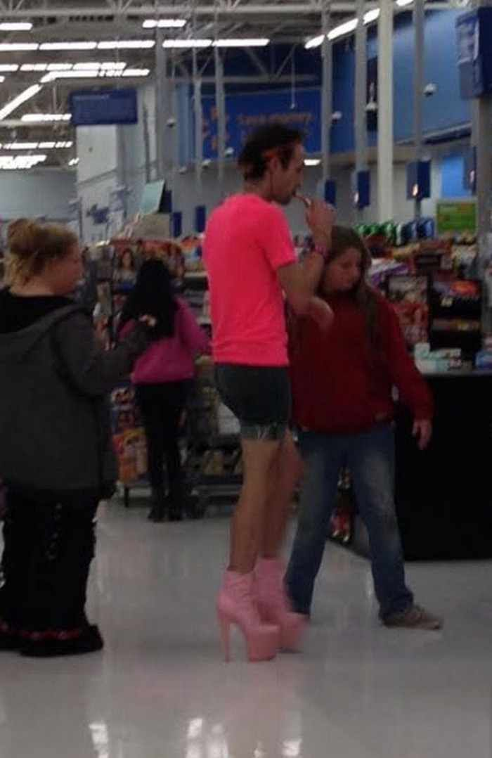 40 Funny Pics Of Most Ridiculous People Of Walmart  Page 3 of 8