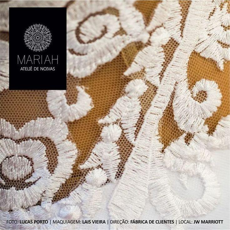 Luxo, estilo, design e bom gosto, tudo isso sob medida. O vestido de casamento dos seus sonhos, do jeitinho que você sempre sonhou.  Vestidos sob medida, desenhados para o seu corpo, para o seu estilo.  Confira nosso editorial. Produzido para mostrar como nossas noivas são especiais. Um editorial no luxuoso hotel, JW Marriott em Copacabana, retrata nossa essência, pois para nossas noivas, só o melhor.  Ficha Técnica:  Vestido: Mariah Ateliê de Noivas Fotos: Lucas Porto Maquiagem e Cabelo…