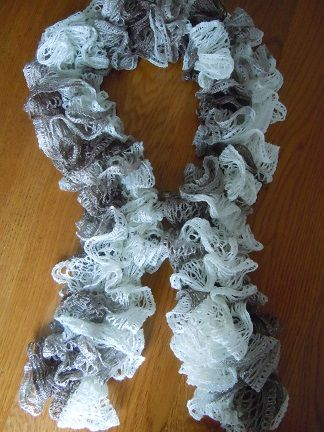 Sashay yarn- Ruffle Scarf Crochet pattern. This vid is easier…. http://www.youtube.com/watch?v=HNfxKJTV79A  Vid tutorial... http://www.youtube.com/watch?v=eYB86eoZ97U