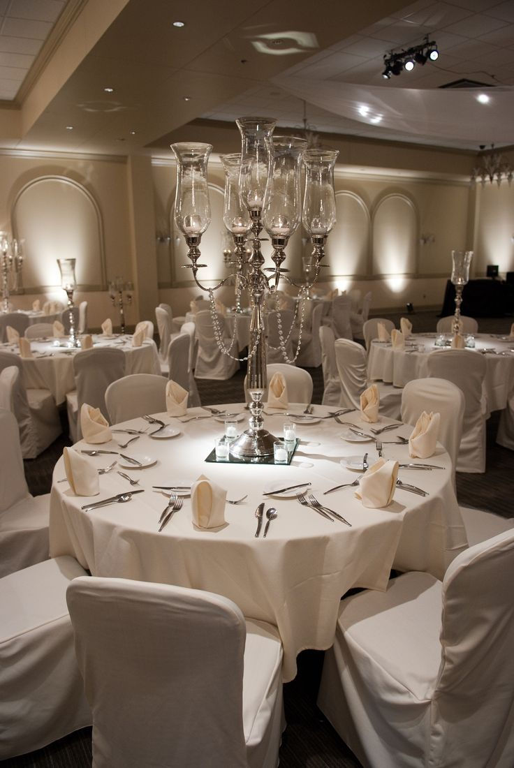 Beautiful Elegant And Simple Decor In The Crystal Room