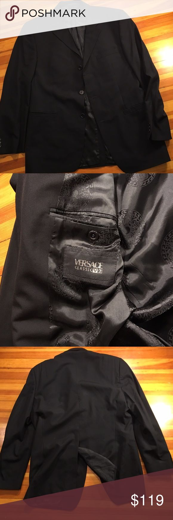 50R Versace V2 2-Button Sport Coat Mint condition 50R Versace V2 2-Button Sport Coat Versace Suits & Blazers Sport Coats & Blazers