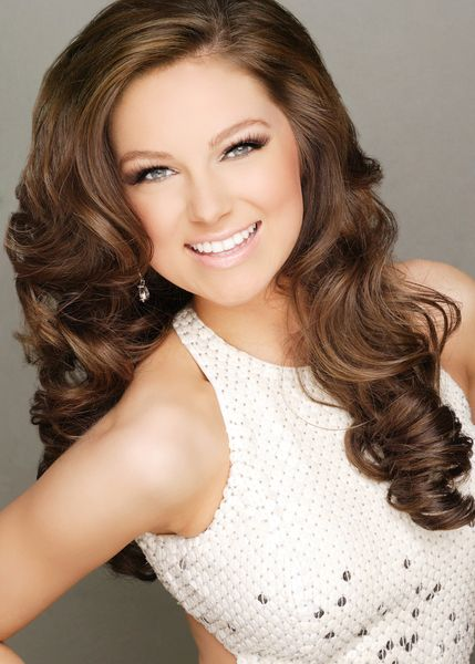 Miss Tennessee Teen USA Emily Suttle