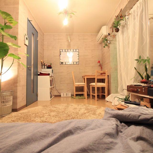 YaSuNoさんの、机,観葉植物,無印良品,照明,IKEA,植物,一人暮らし,癒し,ニトリ,西海岸インテリア,塩系インテリア,のお部屋写真