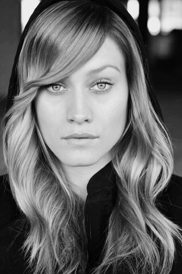 Olivia Dudley, actress..