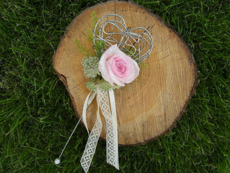 Pink flower wand with glitter and vintage lace.