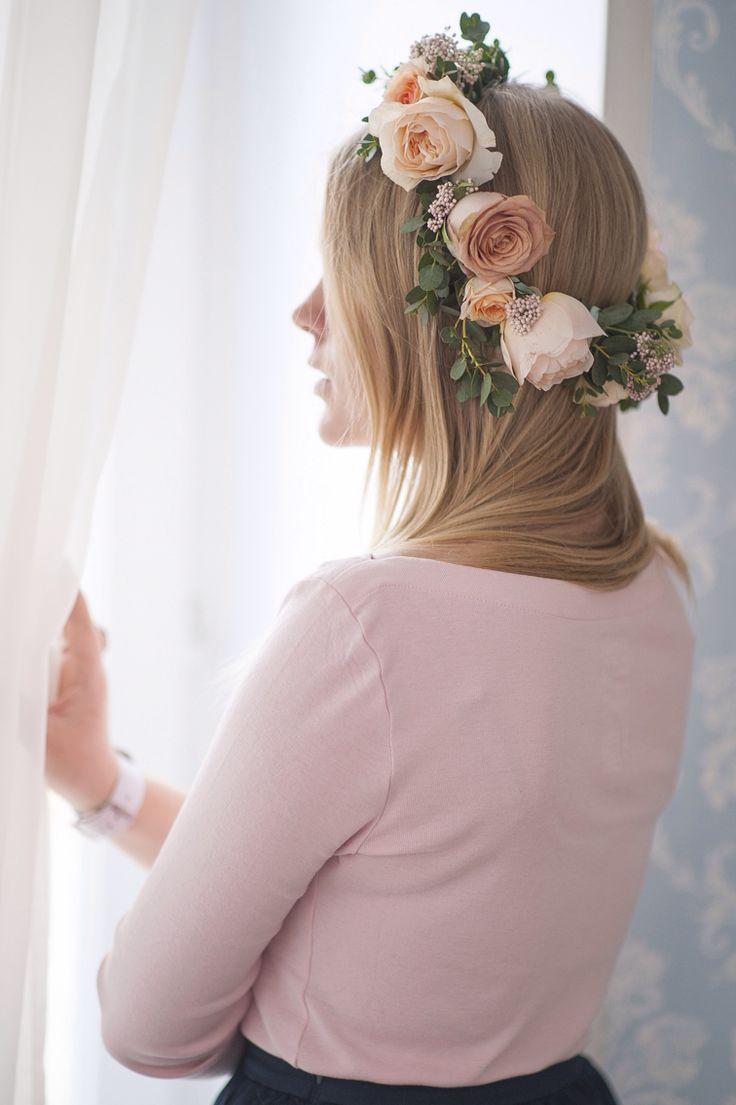 Венок из живых цветов для свадьбы