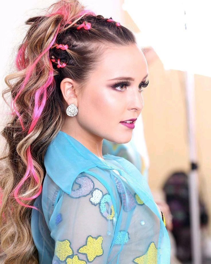 Look Maravilhoso da Lari no show que se realizou em São Paulo no passado Domingo dia 19 de Fevereiro  #LarissaManoela #KCAPersonalidadesBR
