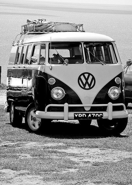 O Him Outdoors would love one of these to fix up and then go touring - the evergreen VW Camper #classic