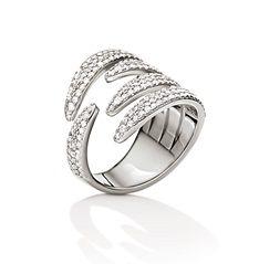 115€ Επενδύστε κι εσείς σε ένα  ασημένιο κόσμημα όπως αυτό το υπέροχο Folli Follie δαχτυλίδι  από τη συλλογή Fashionably Silver. Διακοσμημένο με διάφανες κρυστάλλινες πέτρες  θα χαρίσει μοναδική λάμψη σε κάθε σας εμφάνιση.