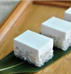 Coconut tapioca cake.