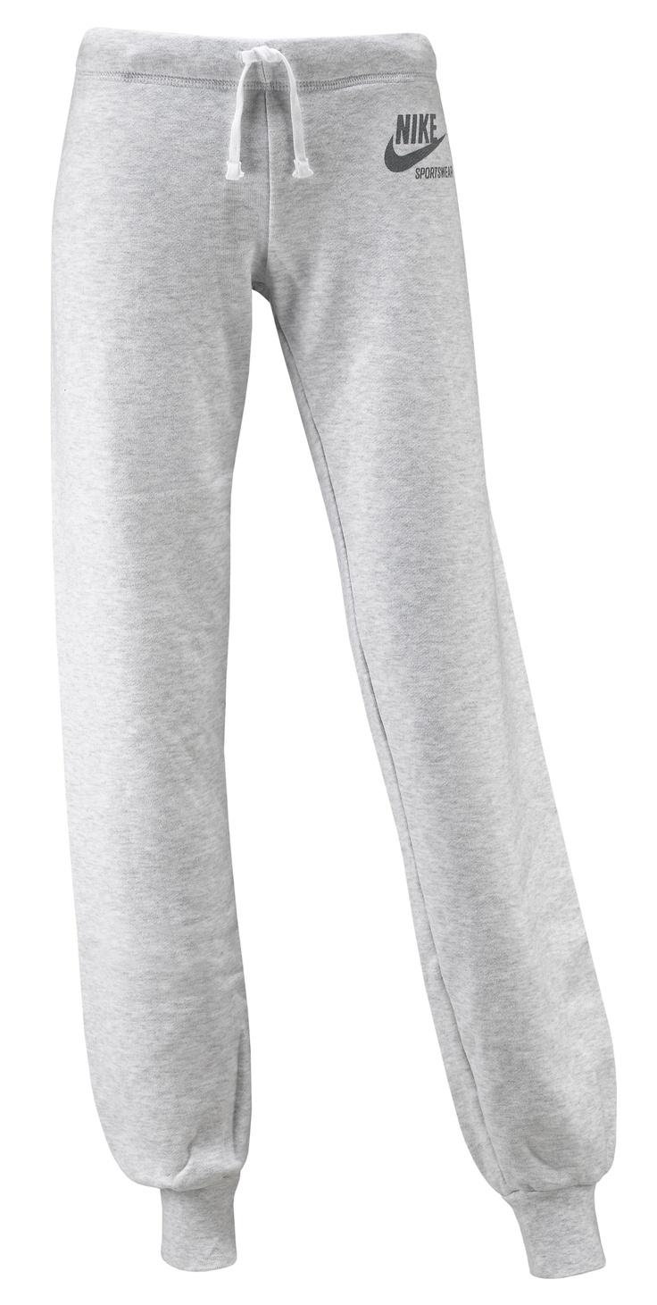 Pantaloni Nike Team Cuff    Pantalone felpa Nike donna con logo frontale. Colore grigio chiaro.