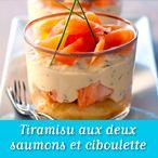 Faites cuire la pulpe de tomates dans une sauteuse, ajoutez le thon, le sel, le poivre et laissez réduire à découvert. L'eau doit être évaporée en fin de cuisson    Ajoutez le basilic ciselé,