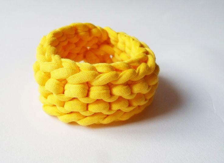 Organic cotton bracelet in sunny yellow