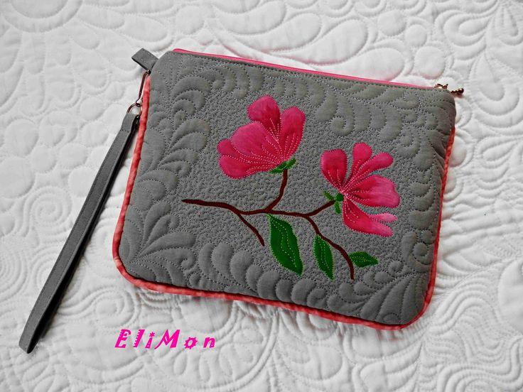 Handbag Magnolia. Hand painting magnolia and quilting.