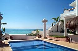 Playa del Secreto Caribbean beachfront vacation home rentals and real estates near Cancun and Playa del Carmen Mexico