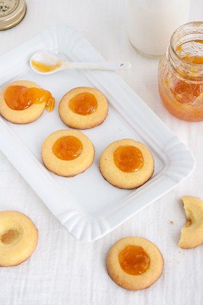 Impariamo a preparare dei friabili biscottini di pasta frolla all'uovo sodo, praticamente uguali a quelli di pasticceria