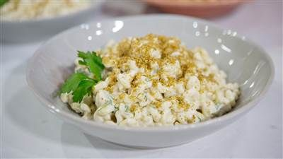 Make vegan mac and cheese with creamy cauliflower and cashew sauce recipe #healthy #quickmeals