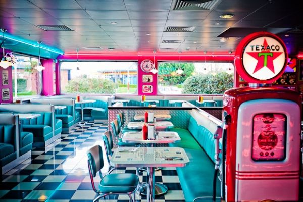 Happy days restaurant 50 39 s style pinterest restaurant happy and di - Deco americaine annee 50 ...
