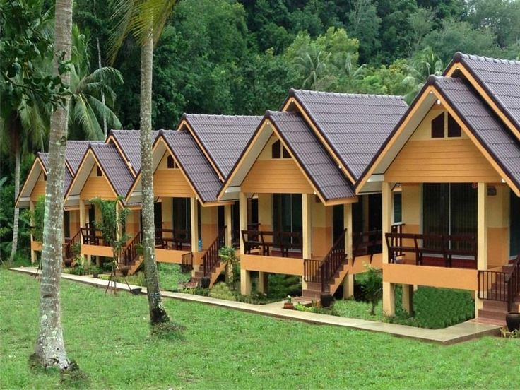 Koh Chang Koh Chang Pukdee Bungalow Thailand, Asia Located in Klong Son, Koh Chang Pukdee Bungalow is a perfect starting point from which to explore Koh Chang. Offering a variety of facilities and services, the hotel provides all you need for a good night's sleep. Facilities like free Wi-Fi in all rooms, Wi-Fi in public areas, car park, smoking area are readily available for you to enjoy. Each guestroom is elegantly furnished and equipped with handy amenities. The hotel's peac...