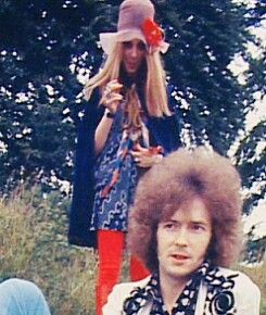 Eric Clapton at Disraeli Gears cover shoot