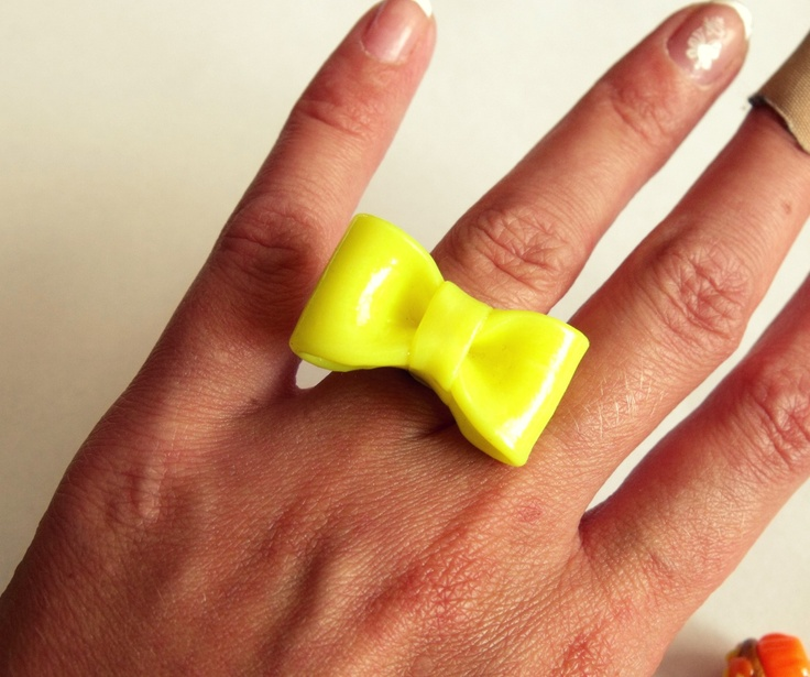 BOW RING :D