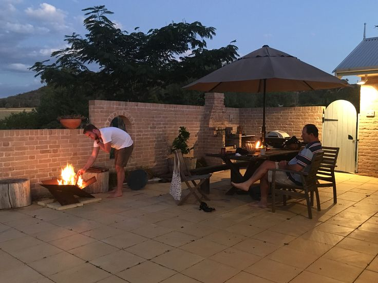 An al fresco evening with the family | fire, wine and good conversation | fire-away.com.au