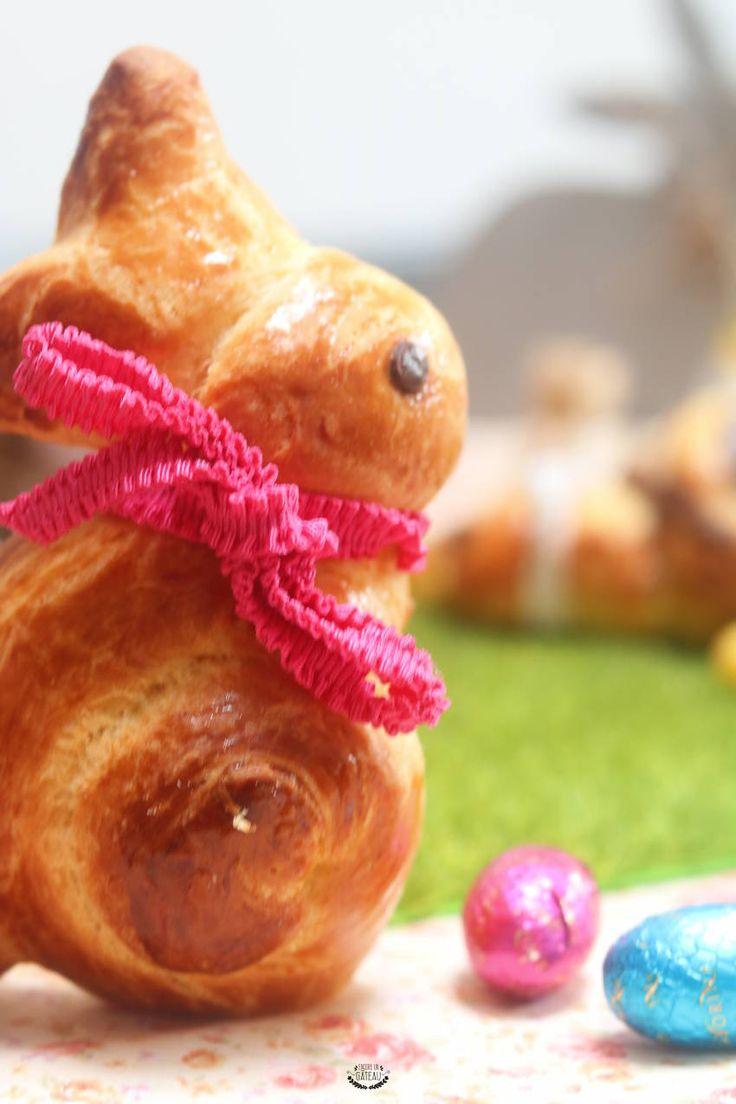 Et si vous faisiez des brioches lapins pour Pâques ? Cette recette de brioche pur beurre est parfaite pour faire des lapins briochés pour le petit déjeuner ou le goûter de Pâques. C'est une recette originale et facile à faire. #recette #paques #lapin #brioche #briochelapin