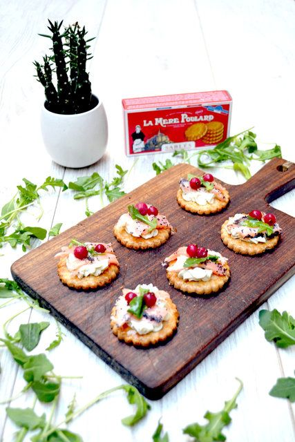 17 best images about fine dining aperitifs appetizers for Canape aperitif marmiton