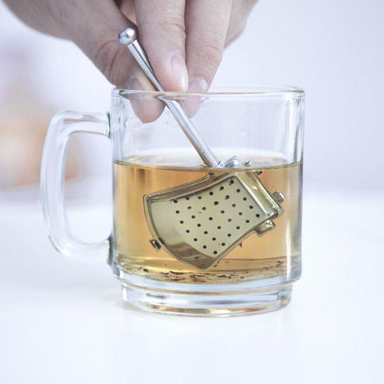 Infusor té con forma de hacha