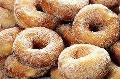 Rosquinhas fritas é uma delicia, uma ótima opção para seu café da manha ou…