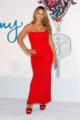 "Mariah Carey  Mariah shed a whopping 70 pounds after the birth of her twins with husband Nick Cannon, over half of which came from water weight that she gained during her difficult pregnancy. ""In the beginning, when I first had the babies, I just had so much edema... water and swelling,"" she told Us Weekly, ""Most pregnant women have that just in their feet.""  Losing 40 pounds of water weight first, Mariah combined a Jenny Craig-certified diet and workout plan. She ate no more than 1,500 calo"