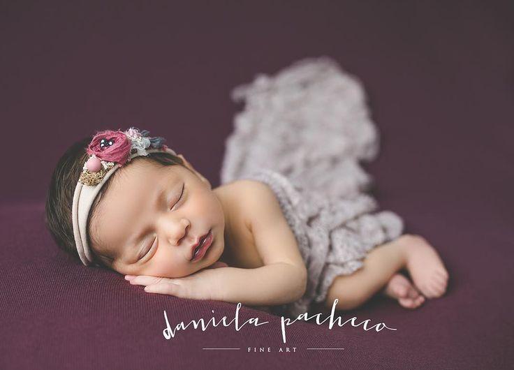 Normalmente siempre tengo palabras lindas que decir de mis bebes, a veces solo suspiro y me quedo sin palabras. Este trabajo mío es maravilloso!!!! #danielapacheco #danielapachecofineart #reciennacidos #newborn #newbornphotographer #fotosdebebes @mgcompean #grateful #agradecida