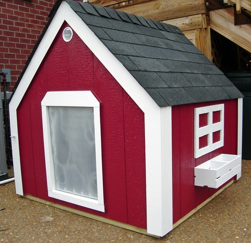 Outdoor Pet Solutions.com- Extra Large Classic Dog House