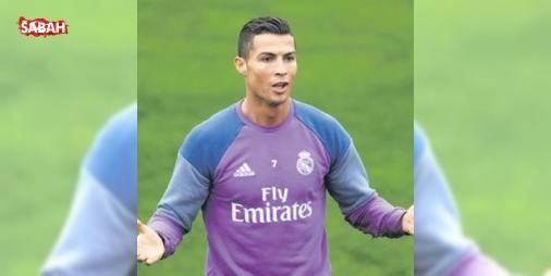 Ronaldonun markası 160 milyon Euro : Real Madridle sözleşme yenileyerek 36 yaşına kadar İspanyada kalacağı sözünü veren Cristiano Ronaldo kişisel markasına da yatırım yapmayı sürdürüyor. Video oyunları saatler restoran ve otel zincirlerinin...  http://www.haberdex.com/spor/Ronaldo-nun-markasi-160-milyon-Euro/77181?kaynak=feeds #Spor   #Ronaldo #yapmayı #yatırım #kişisel #sürdürüyor